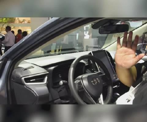 视频:丰田卡罗拉这个配置,让奔驰宝马奥迪这些豪华品牌都坐不住了