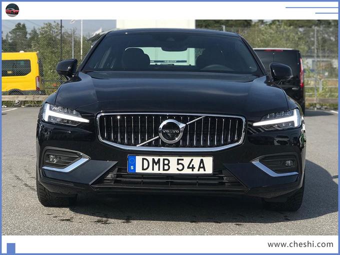 这款北欧轿车,主打运动,尺寸大涨,排队买宝马3系的,来看看它