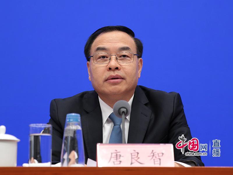 中共重庆市委副书记、重庆市群众当局市少唐良智。中国网 图