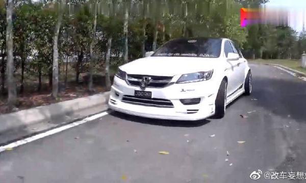 视频:本田雅阁G9个性化定制改装,定制高端内饰太有格调了!