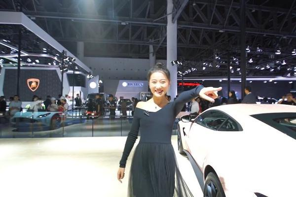 视频:郭梦瑶超OK 亲自教你如何高调的逛豪车馆,回头率简直百分之二百