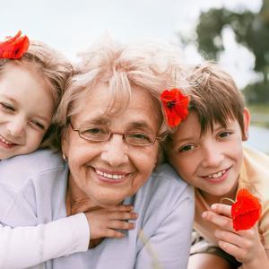 奶奶冲进教室打孙女,得知原因老师崩溃!家长过度紧张孩子易厌学