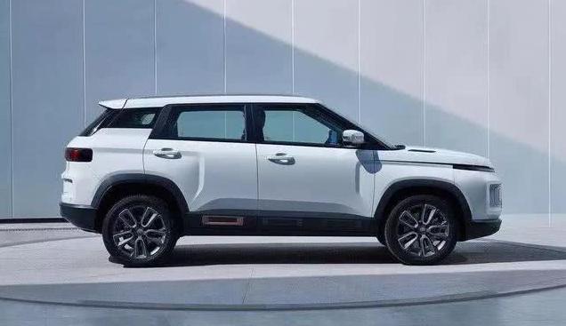 """吉利新SUV""""画风突变"""",高度还原概念车,定名icon"""