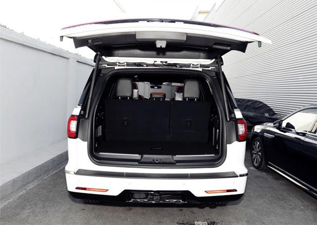 这款SUV有点猛 !车长5米3,配3.5T+10AT,网友:还要什么Q7?