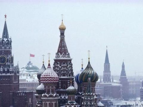 苏联地位最高的两个加盟国,现在一个支离破碎,一个丧失自主权