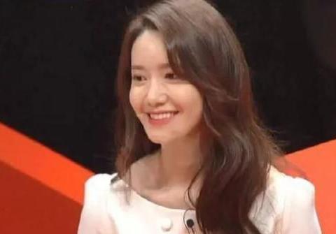 韩国天然美女林允儿被疑整容,整形医生曾高度评价她的外貌