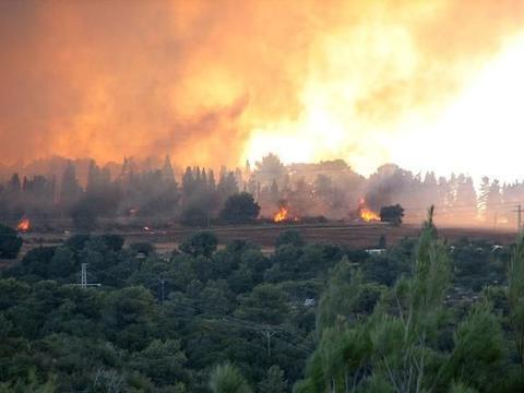 印尼山火产生雾霾被指殃及马来西亚