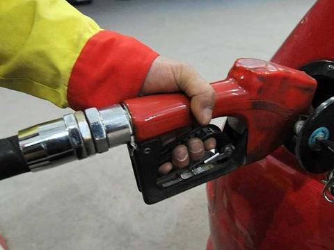 中石化和中石油哪家更耐烧?经过对比,车主:大家都散了吧