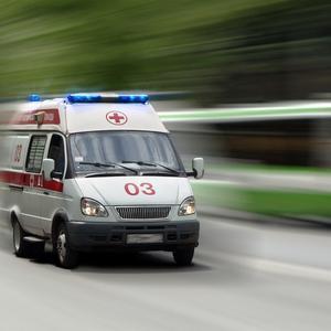 """43岁男子,突发心梗,抢救2小时离世,医生直言:妻子是""""祸根"""""""