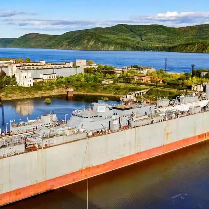 俄海军最新护卫舰出坞,以90后水兵命名,他拯救过一艘现代级驱逐舰