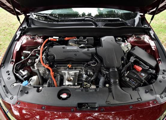 油耗低,空间大的油电混合车型推荐
