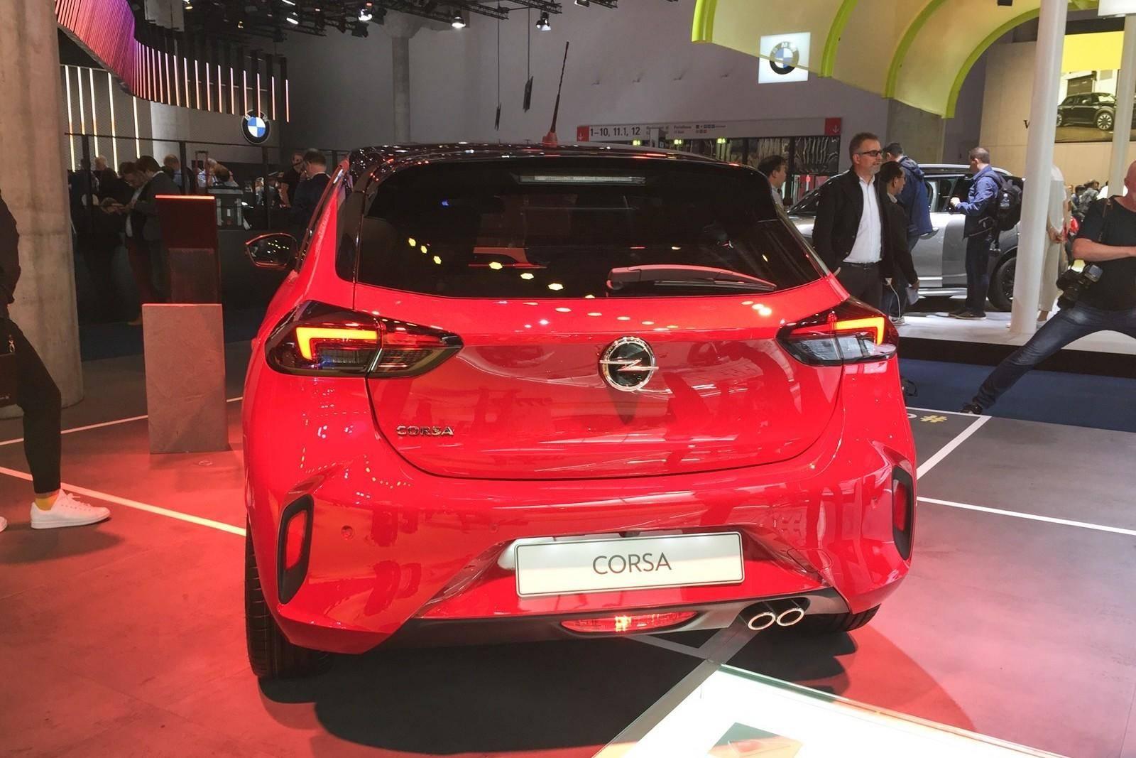 标配带T油耗才6L,入门造型比GTI更帅,欧洲开始用它替代Polo