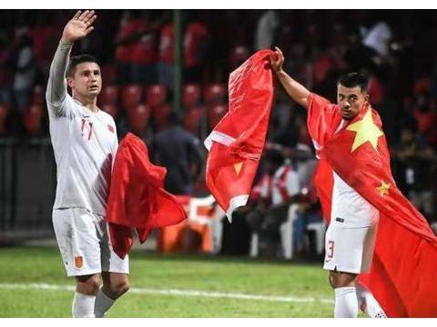 从身披国旗的埃尔克森到为中国出战的艾克森,中国足球迎来希望