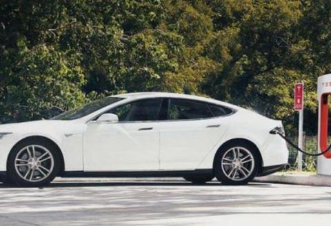 多起新能源汽车自燃事故被曝出,未来行业又将何去何从?
