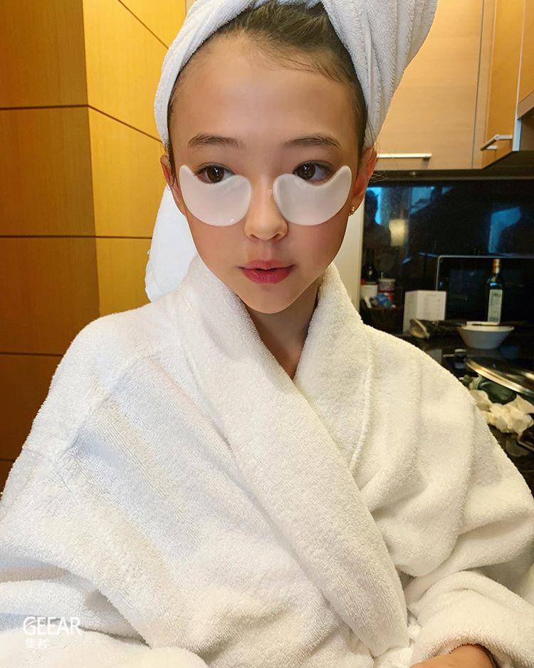 11岁就用La Mer面霜!混血童模Ella Gross的护肤贴士!