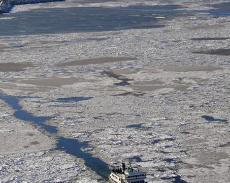 """日本航拍直径50公里""""海冰漩涡"""",竟发源自中国黑龙江"""