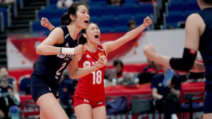 中国女排3-0横扫俄罗斯迎三连胜!张常宁爆发,朱婷复出依旧稳定