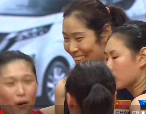 黄金双枪合砍38分!中国女排剑指东京奥运,朱婷笑了,张常宁笑了