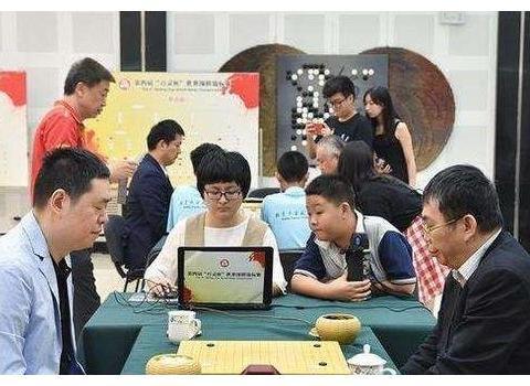 中国首位围棋世界冠军,棋力胜过聂卫平,结过3次婚,娶娇妻无子