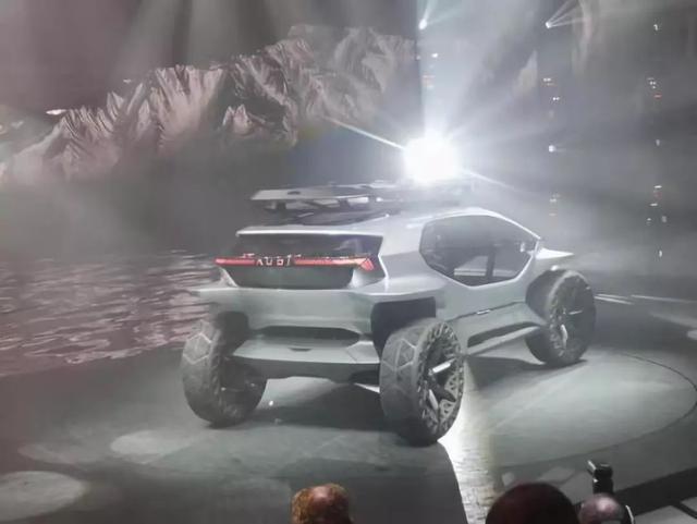 传统车企的高光时刻,法兰克福车展的概念车谁更酷炫?