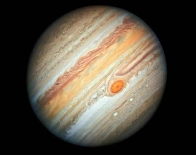 哈勃太空望远镜拍摄到的木星照片是怎样的?美不胜收