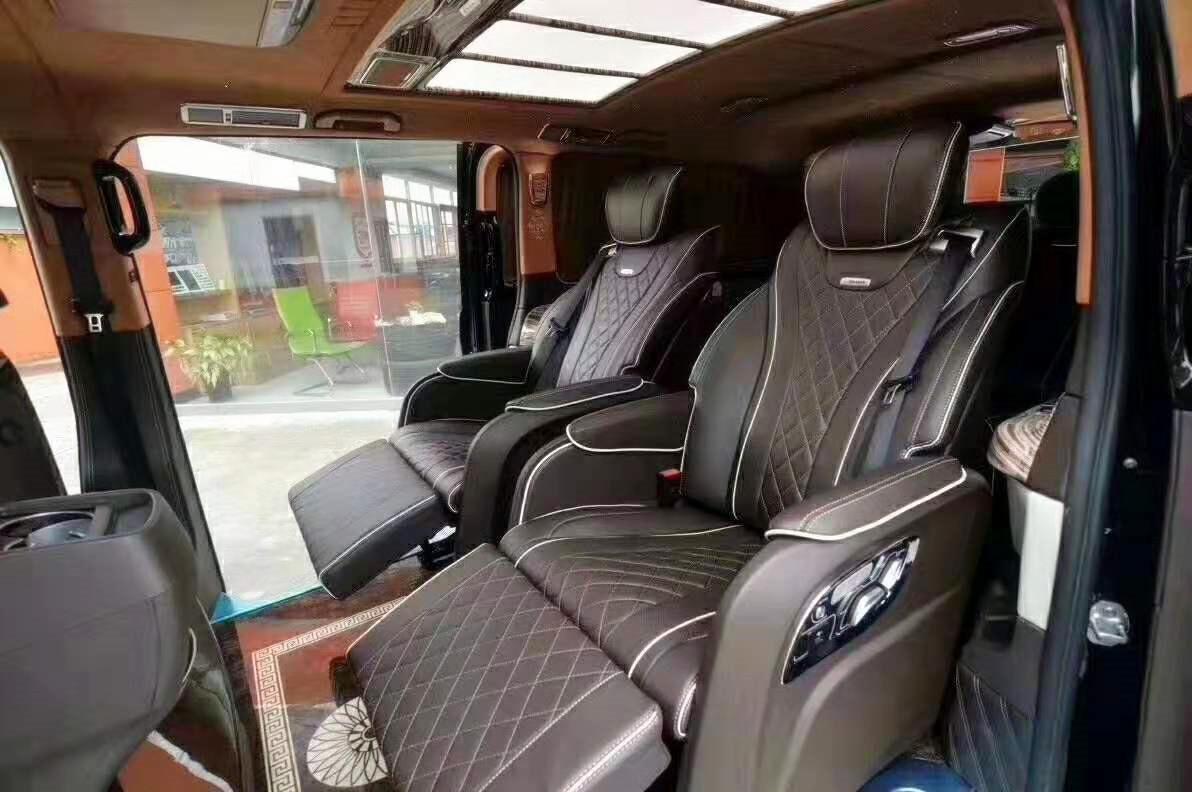 新一代豪华奔驰V260,颜值不输埃尔法,内饰很有高级感