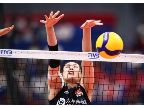 中国女排豪取3连胜,郎平有意布局,张常宁和丁霞最为称赞