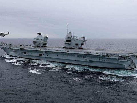 这国心真大 6万吨航母每周都漏水 坚持横跨大西洋 真不怕沉没?