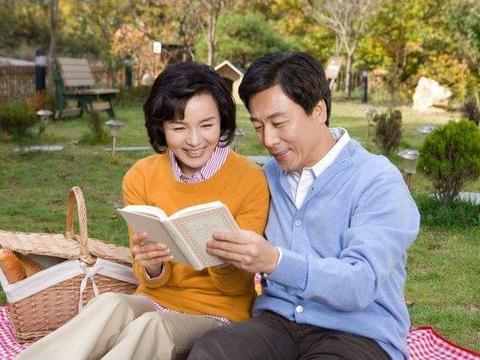 """人到中年,夫妻的手机里有的""""记录"""",证明彼此还很恩爱"""