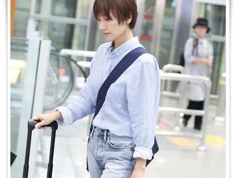 袁泉的好气质让人无法抗拒!衬衫配仔裤简约高级,随便穿都超美