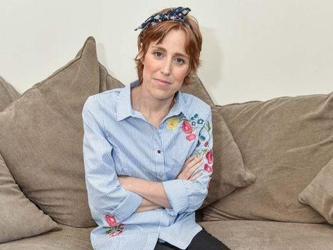 英女子患癌想靠医保,政府却以癌症不够严重为由拒绝,后遗憾离世