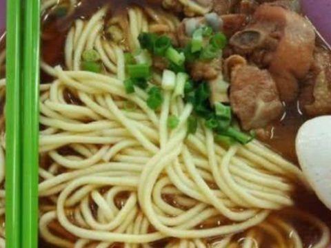 """清华大学的食堂饭菜如何?看了""""学霸""""吃的食物"""