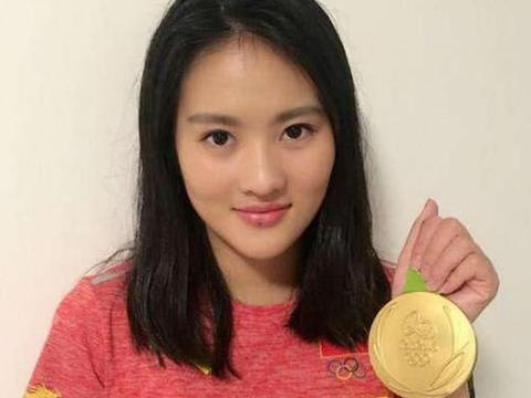 27岁跳水女神陈若琳,退役后转型当教练,如今美到认不出!
