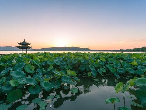 中国4大免费的5A级景区,60岁以前必须要去一遍,好玩还不累
