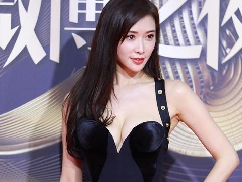 林志玲的穿衣风格是真的好!看着真的不像四十岁?