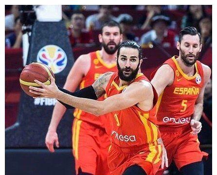 央视《新闻周刊》批评男篮队员为哪般?看看两支决赛球队表现吧