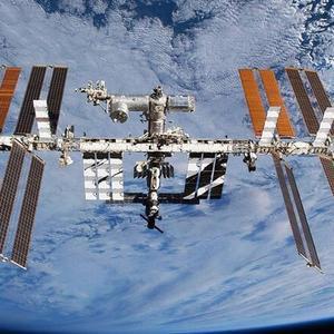 一场大火在发射台点燃,国际空间站发出告急信号,安倍遇见大麻烦
