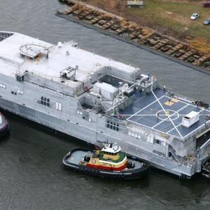 17时30分,美舰长驱直入进入黑海,遭俄罗斯军舰围堵:老调重弹