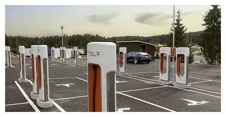 特斯拉充电桩取消免费政策,充电价格上涨3倍,消费者还会买单吗