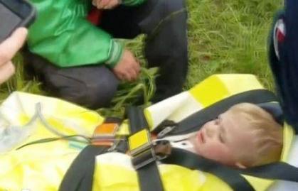 失踪3天 美国1岁男童被发现紧攀悬崖顽强生存