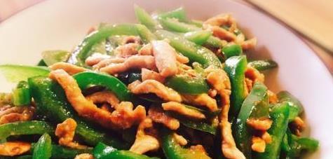 青椒和此物一起炒,解热镇痛,排毒养颜,刮脂减肥,大肚腩不见了