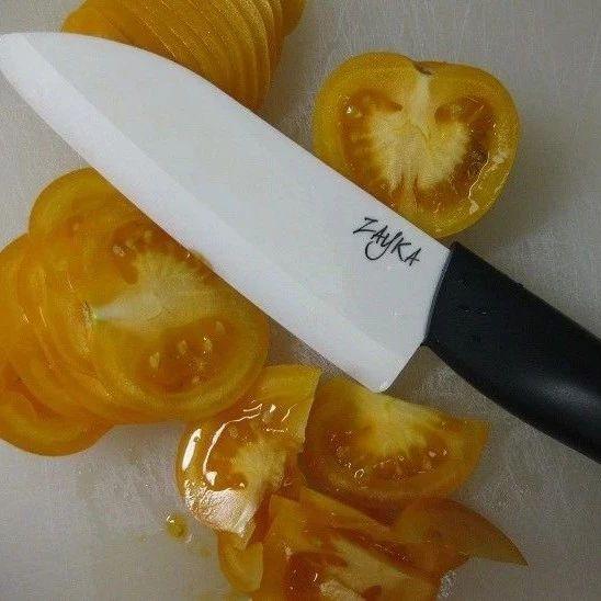 削肉如泥,但一砍就脆的陶瓷刀是怎么做出来的?