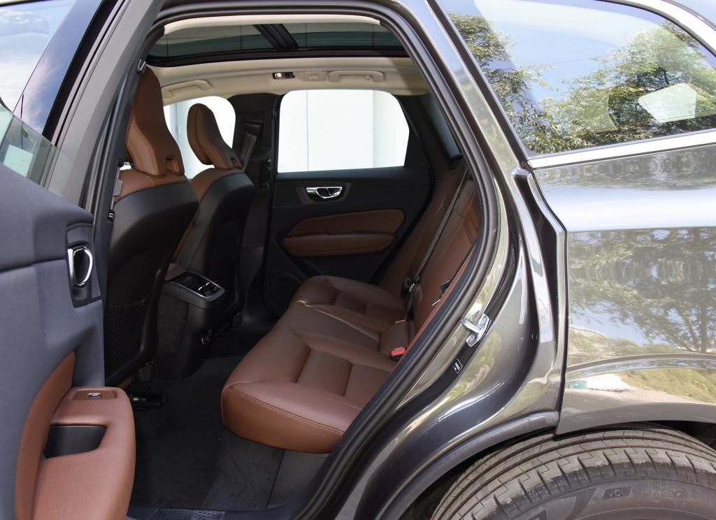 四款豪华中型SUV推荐,要空间与性价比非它莫属,降价后真的香