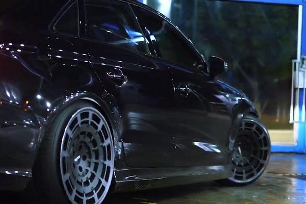 视频:汽车视频:再来一台街道黑武士!奥迪A3
