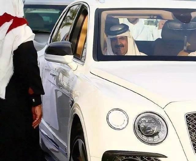 头上有块布,十个九个富!被中东七国集体拉黑的卡塔尔有多富?