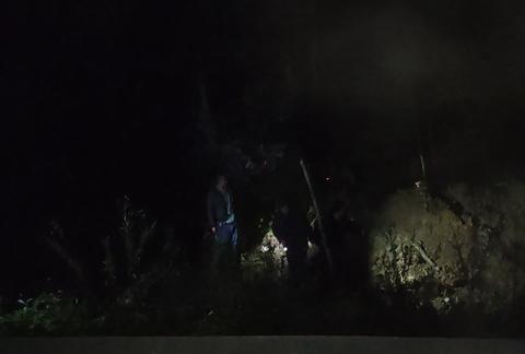 7小时地毯式搜救 进山采蘑菇走失女子被找到