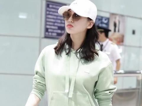 刘诗诗产后首次现身,穿薄荷绿卫衣状态好,十分减龄宛如少女