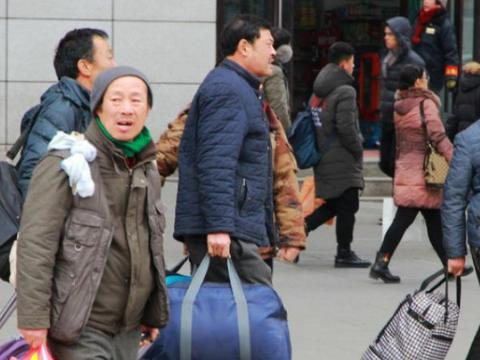 为啥很少见西藏,新疆的人外出打工,而四川河南安徽却那么多人