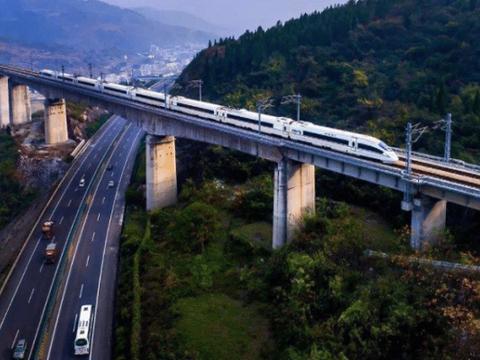 印度专家疑惑:中国高铁为何不建在地上,那样不是更省钱吗?