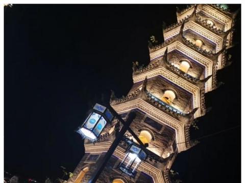 美丽的芙蓉镇夜景!